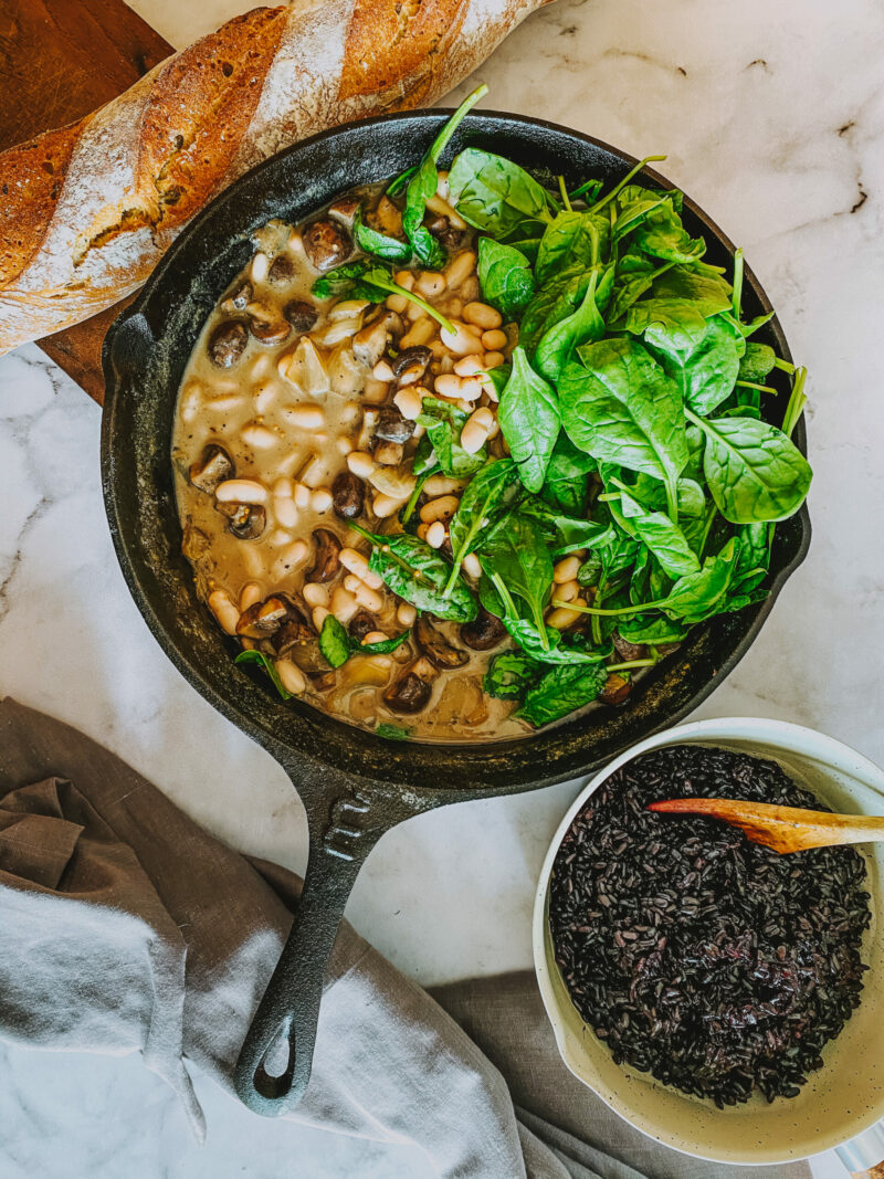 Black eye bean, mushroom and spinach stew